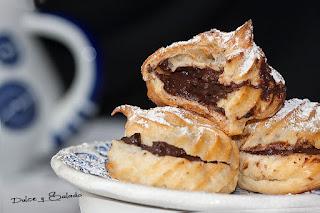 Profiteroles Rellenos de Crema Pastelera de Chocolate
