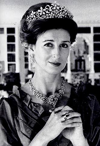 Duchess Of Kent >> The Royal Order of Sartorial Splendor: Flashback Friday: British Engagement Rings, Part 2