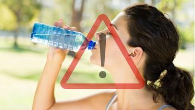 Plus de 24.500 produits chimiques trouvés dans l'eau en bouteille y compris des perturbateurs endocriniens