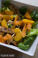 (Sałatka z kurczakiem i mandarynkami