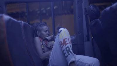 Jovem é retirado de van e assusta grupo em 'Malhação - Toda Forma de Amar' — Foto: Globo
