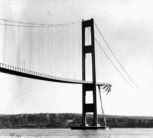 El puente colapsado