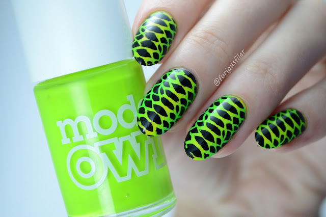 vertical gradient animal print moyou london tropical 01