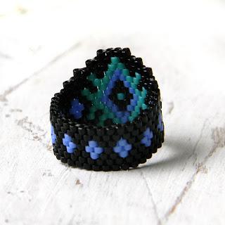 купить кольцо в подарок девушке кольцо из бисера с орнаментом