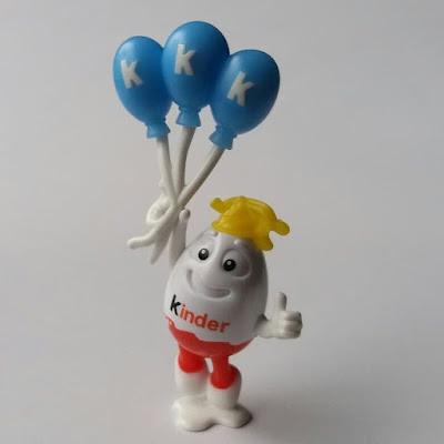 Фигурка Киндерино с воздушными шарами