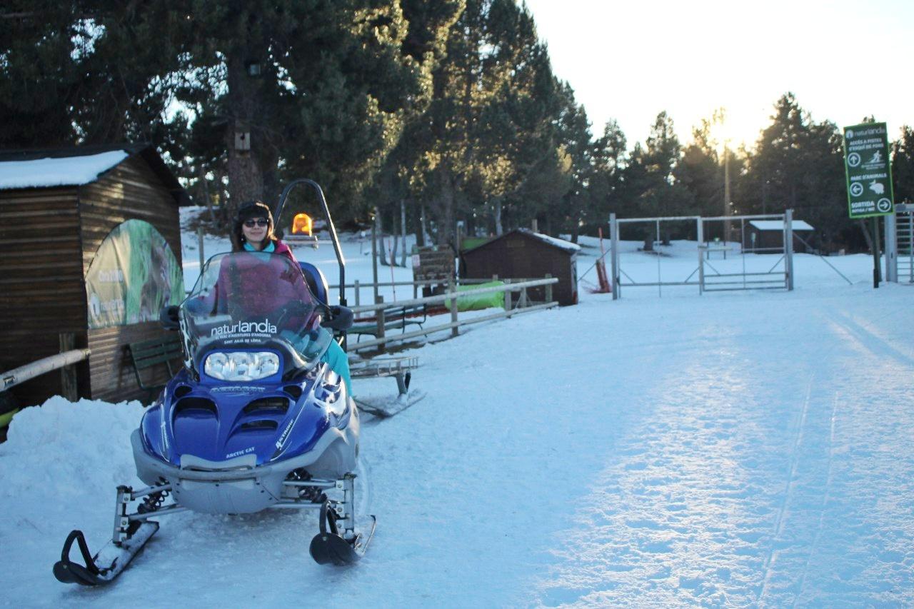 Em um Snowmobile do Naturlândia.