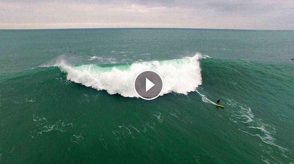 SURFING PLAYA GRIS ROKAPUTA