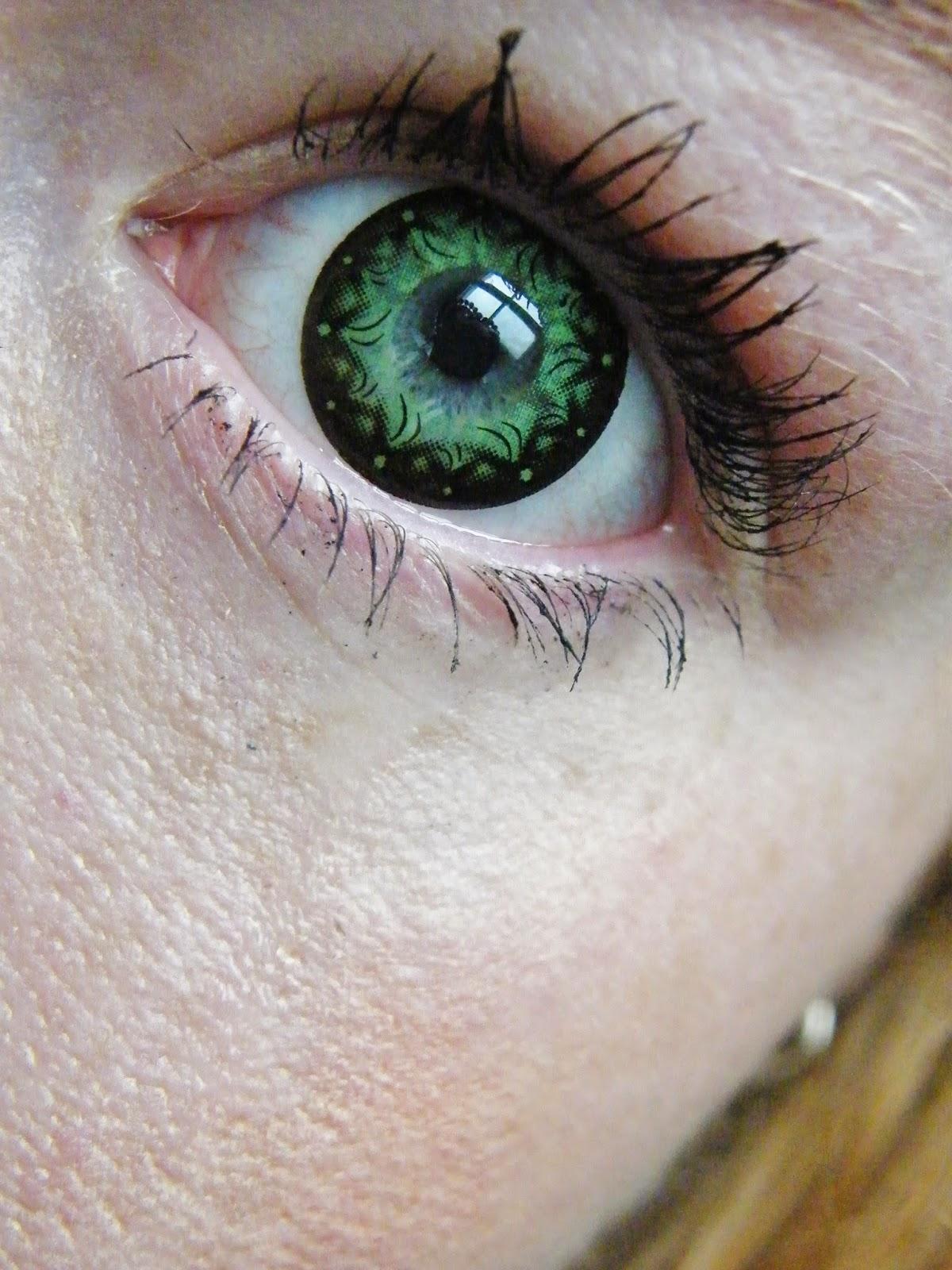 Ciara Noelle: Spooky Eye Coloured Contact Lenses