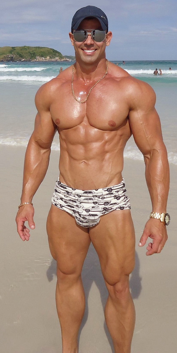 BUILT by tallsteve: Muscle Beach Stud