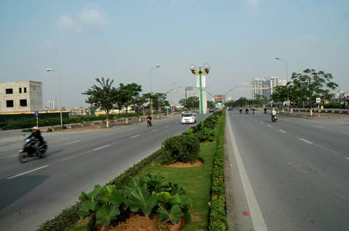 Đường Tố Hữu hay đường Lê Văn Lương Kéo Dài đã được mở rộng 8m