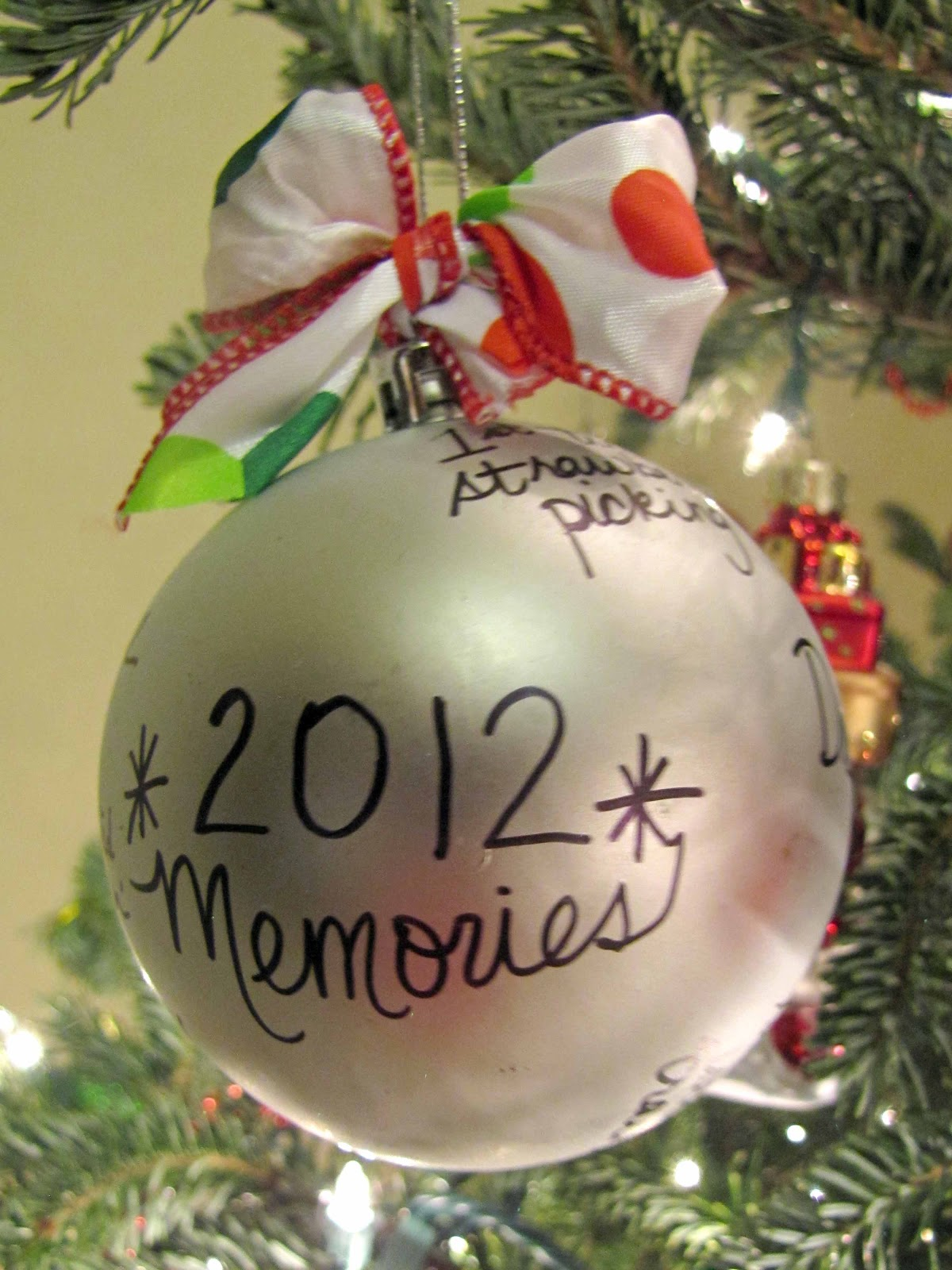 10 Easy Christmas Ornaments the Kids Can Make | School Time Snippets