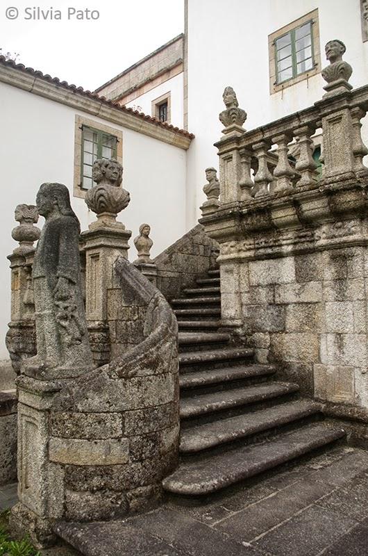 Escalinata de entrada pazo Mariñán