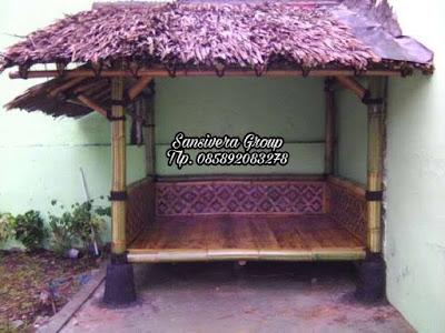 Saung Bambu Atap Daun Kelapa