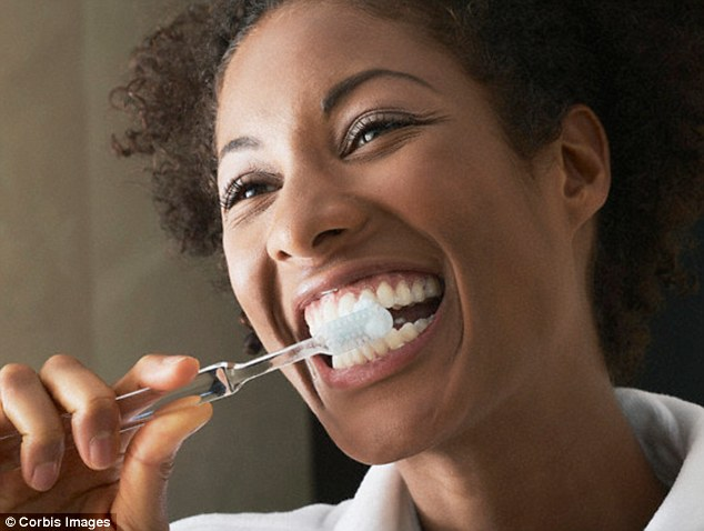 """If You Are Using This Toothpaste """"You are Literally Brushing with a Pesticide"""",Throw It Away Immediately!"""