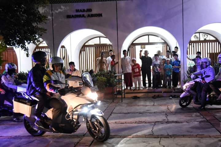 Kerjakan Ini Sampai Malam, Netizen: Pak Anies Bukan Stuntman Kan?