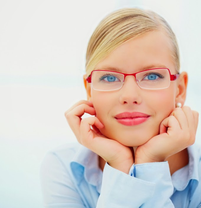 Beauty In Frame: 10 Most Stylish Women's Glasses Design New Pictures 2014