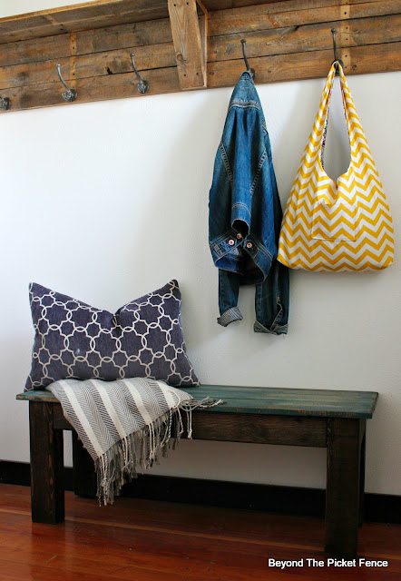 make a bench with free reclaimed pallet wood