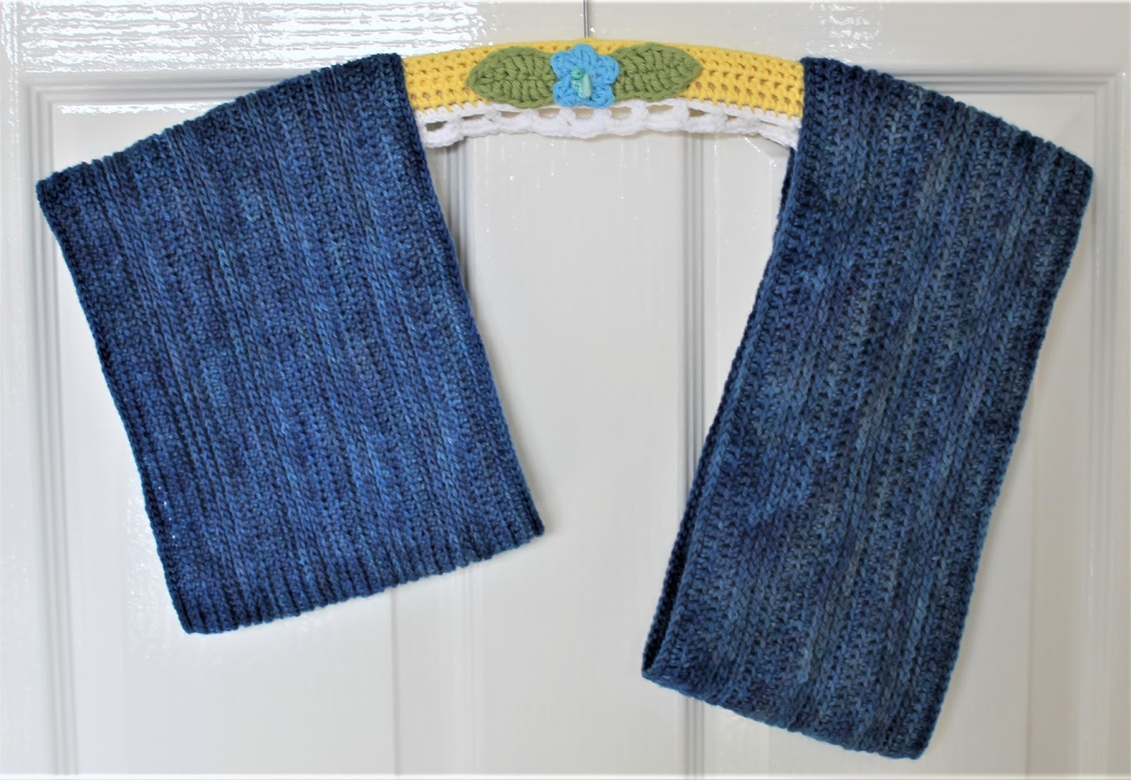 Tuesday Blues Cowl Pattern