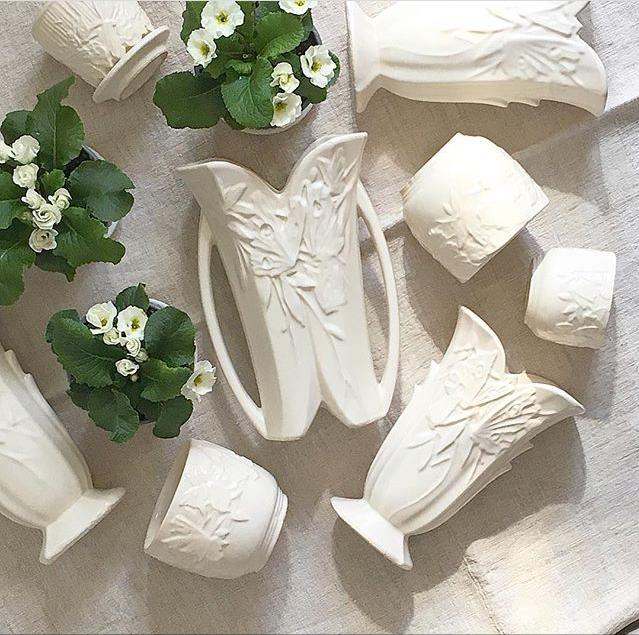 #collectandstyle, #collectandstyle on Instagram, Instagrammer Jesse Lauzon, McCoy vases, white McCoy vases, white floral McCoy vases, antique McCoy vases, vintage McCoy vases