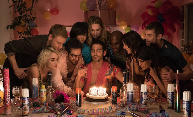 El cluster celebrando su cumpleaños Sense8