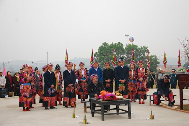 Rain praying ritual of the Lo Lo in Ha Giang 1