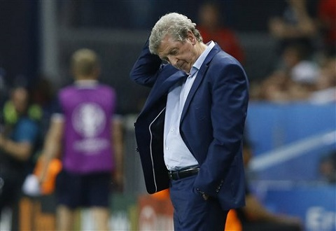 HLV Roy Hodgson thất vọng trước hàng phòng ngự đội bóng