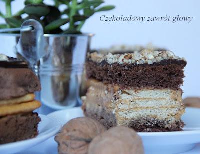 Ciasto kakaowe z krakersami i masą krówkową