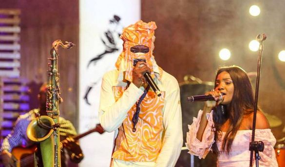 lagbaja-simi-performed-on-same-stage