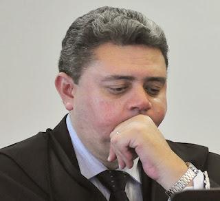 Resultado de imagem para Juiz Luís Gustavo Smith