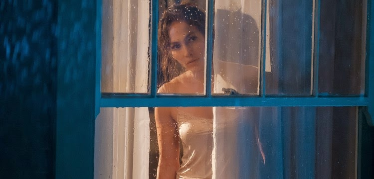 Jennifer Lopez é perseguida no trailer do suspense The Boy Next Door, com Ryan Guzman