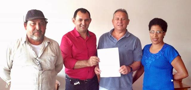 Roncador: Deputado Adelino garante veículo novo para Agricultura