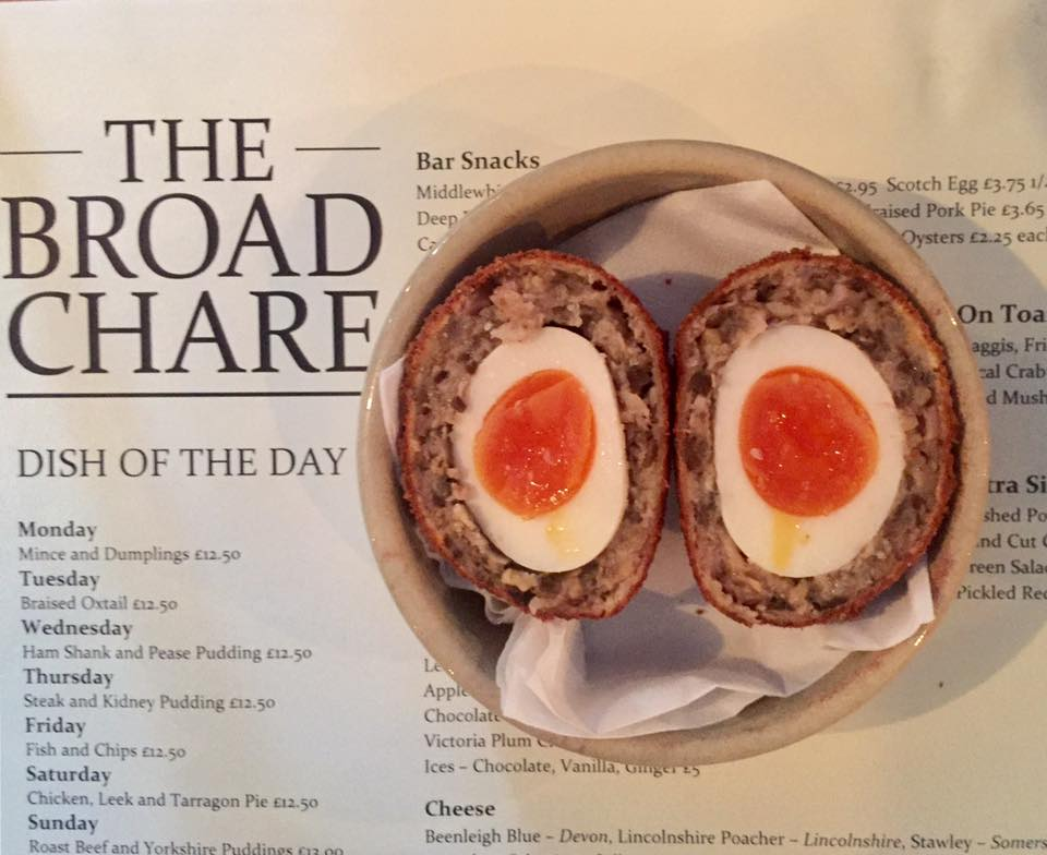 Sunday Lunch at The Broad Chare Pub, Newcastle Quayside | A Review - scotch eggs bar snacks