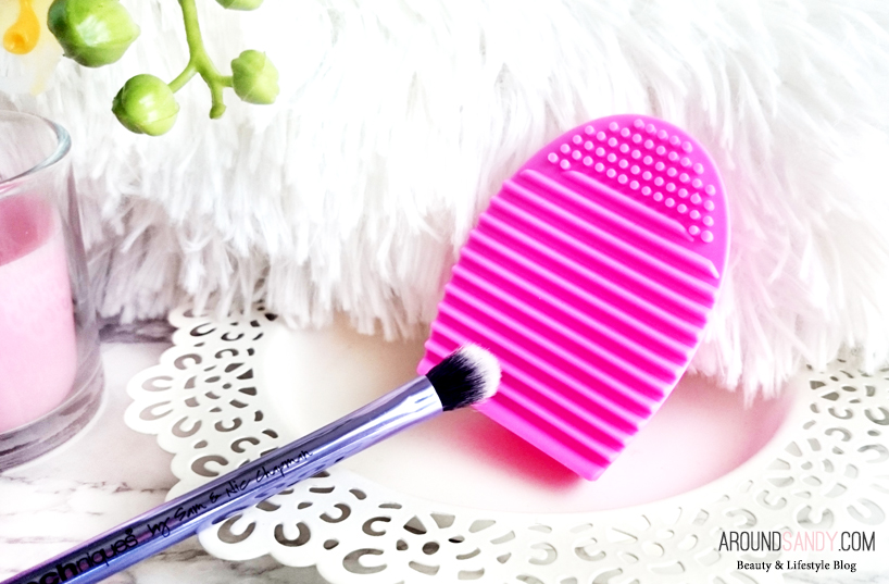 the-brush-tools-huevo-limpiador-de-brochas-rosa