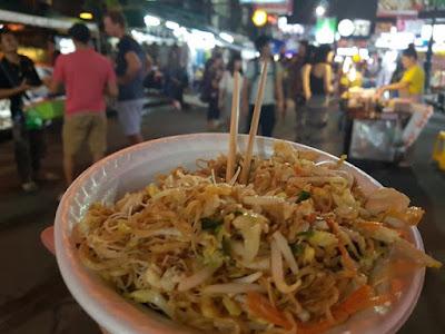 Pad thai callejero, en Bangkok