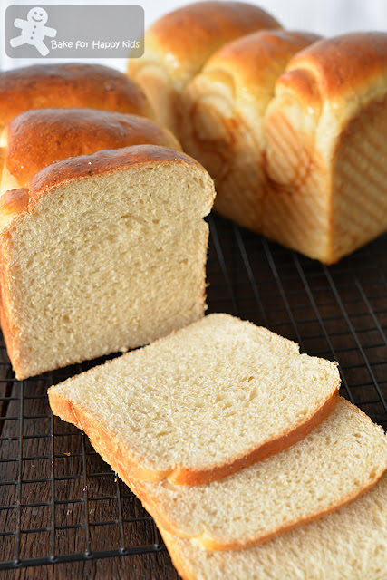 soft oatmeal milk sandwich bread