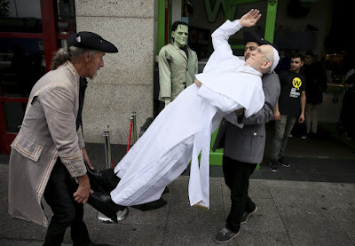Pope waxwork