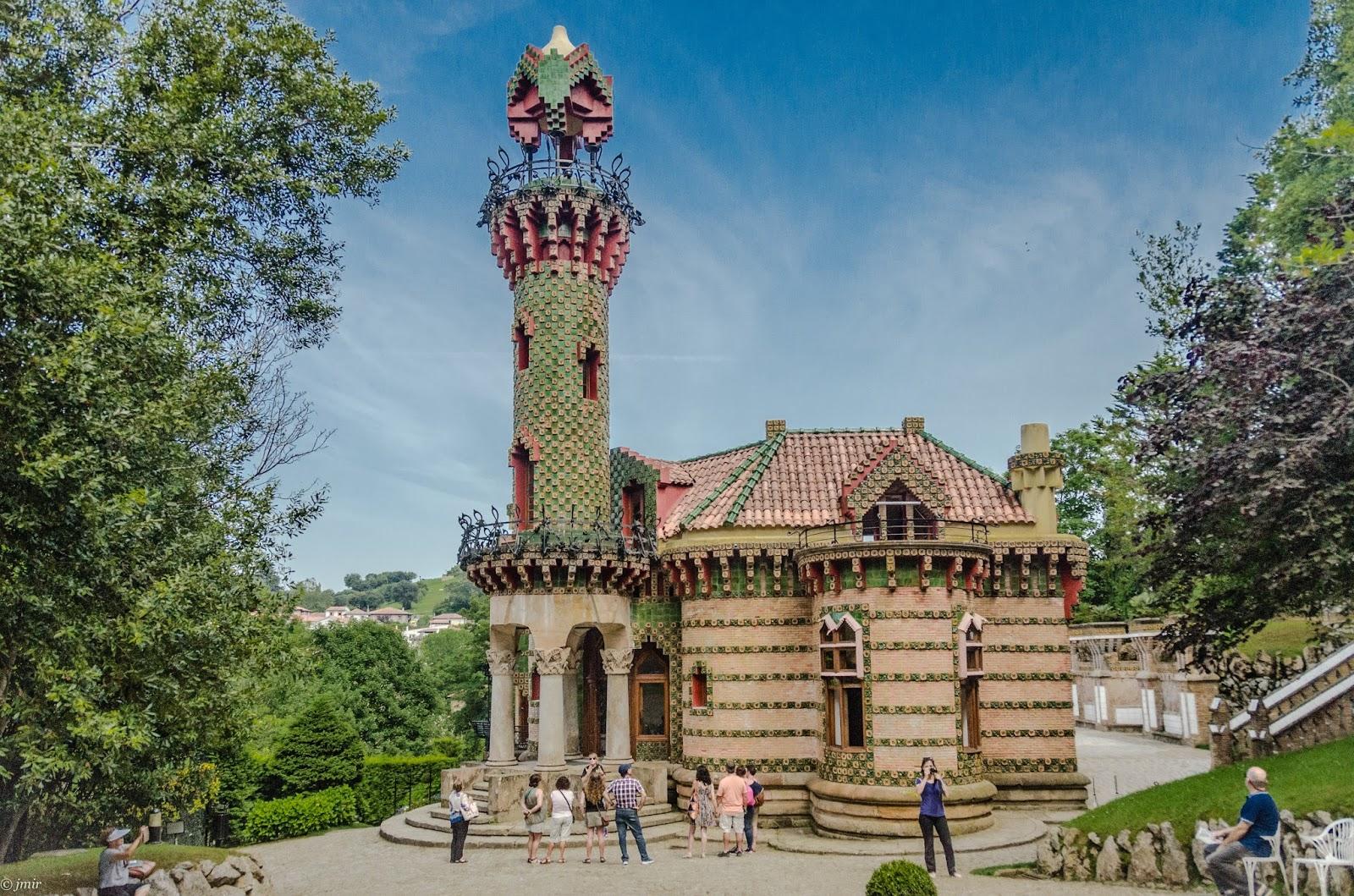 jmir: Capricho de Gaudi