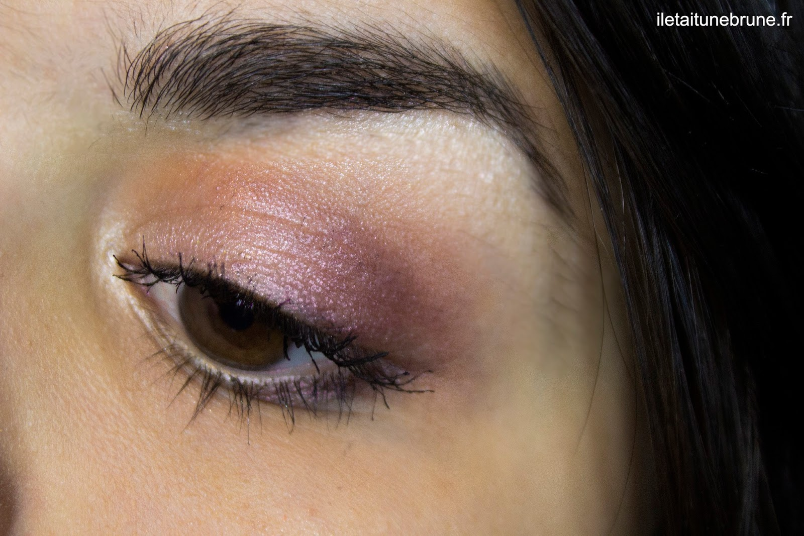 Maquillage vieux rose lumineux