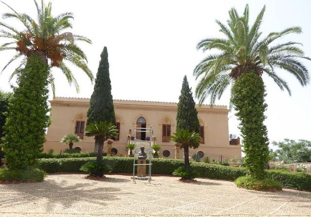 villa hardcastle