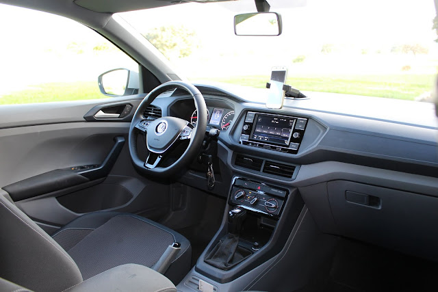 Volkswagen T-Cross 200 TSI Automático - interior - painel