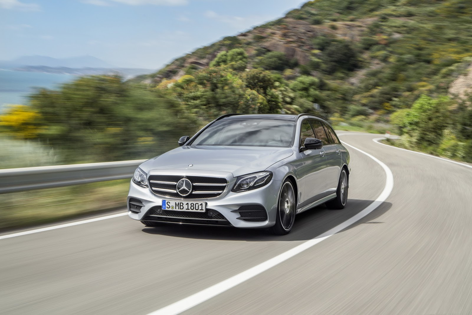 New 2017 mercedes benz e class estate unveiled gets 396hp for Mercedes benz estate cars