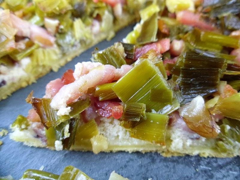 Gourmande ou passionn e tarte aux poireaux lardons et noix au boursin bleu et noix - Tarte aux poireaux sans creme ...
