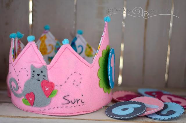 Reverso corona cumpleaños Gatitos