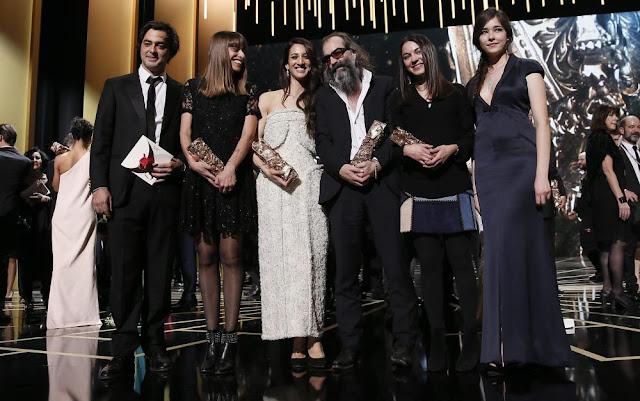 El equipo de Mustang posa con sus cuatro premios César