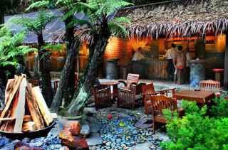 Villa tempat menginap saat menikmati wisata kuliner kampung daun
