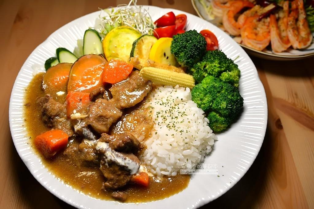 東區健康餐盒,咖哩蝦飯,剝殼蝦