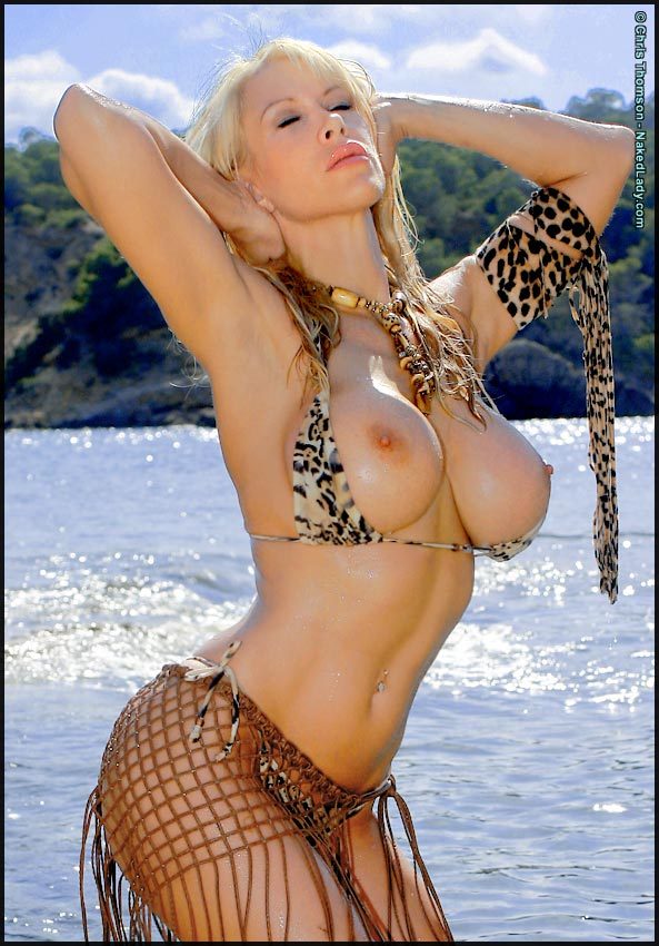 Tania Amazon Amazing Hot Blondes Something Beautiful Tonic Movies 1