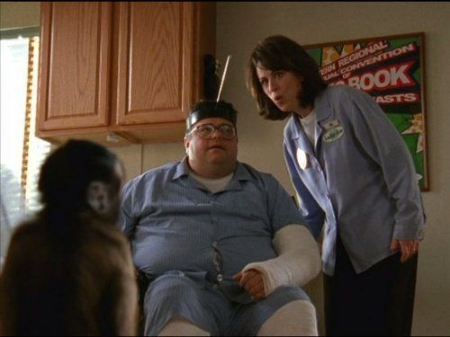 Malcolm in The Middle - Season 3 Episode 22: Monkey