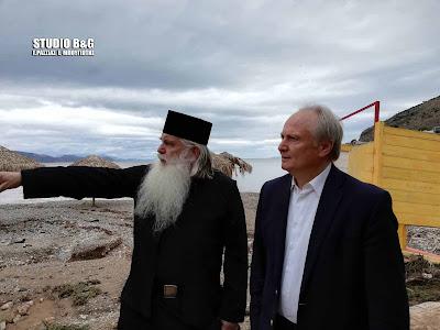 Επίσκεψη του Μητροπολίτη Αργολίδας και του Βουλευτή Γ. Ανδριανού στο πληγωμένο Κιβέρι (βίντεο)