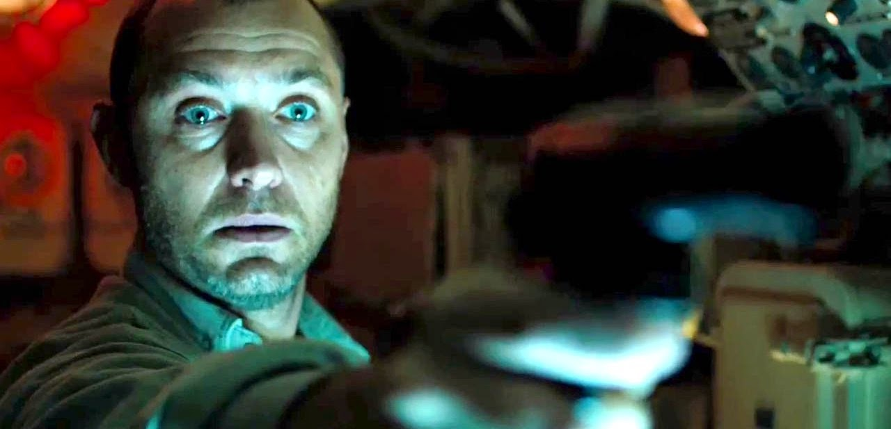 Jude Law procura tesouro afundado no primeiro trailer de Black Sea